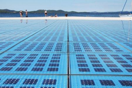Foto de Paneles de energía solar batería celular en zadar, Croacia - Imagen libre de derechos