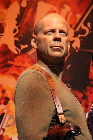 Poster: Bruce Willis wax statue
