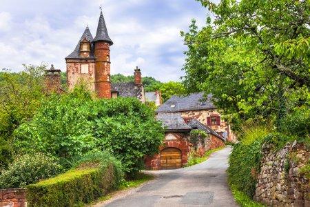 Collonges-la-Rouge , village in France