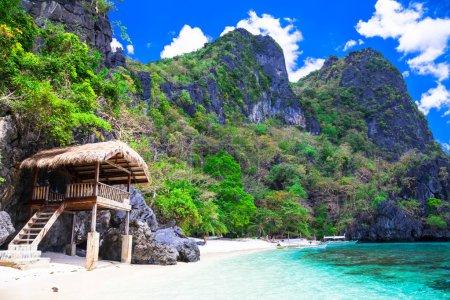 Tropical solitude -  white sandy beaches of Philippines, El Nido
