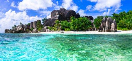 Photo pour Belle source d'argent Anse, La digue, Seychelles . - image libre de droit
