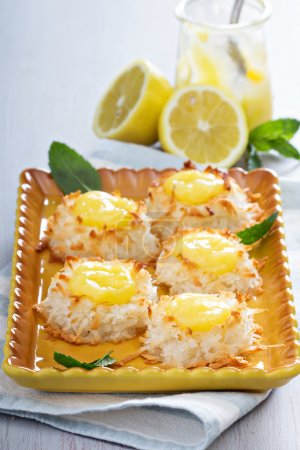 Kokosmakronenplätzchen mit Zitronenquark