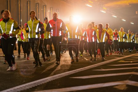 Big group of runners in the Stockholm Tunnel Run