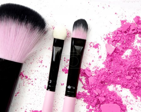 make up color powder with brush.