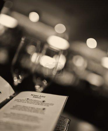 coup romantique d'une carte des vins