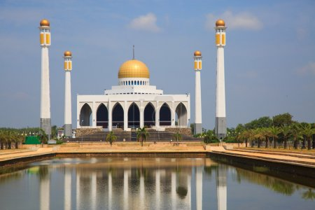 Mosque in southern of Thailand, Central mosque for prayed and most of muslim like to prayed god at mosque, Beautiful mosque in good weather day.