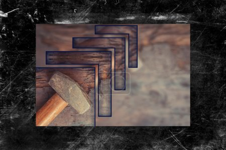 Photo pour Petit marteau de traîneau porté sur fond de bois grunge - image libre de droit