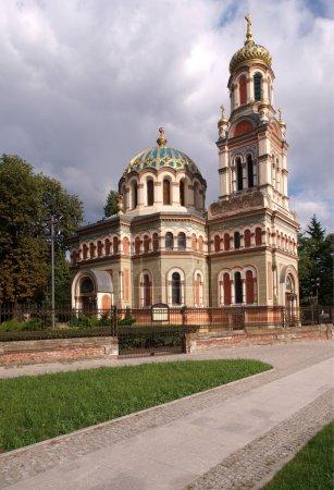 Photo pour Belle église à Lodz. C'est un témoignage de la présence des Russes en Pologne pendant les partitions. Beau bâtiment sacré . - image libre de droit