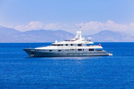 Yacht cruise vacation