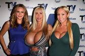Jessica Kinni, Elizabeth Starr, Mary Carey