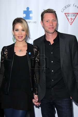 Photo pour Christina Applegate, Martyn Lenoble arrive à Light Up The Blues-An Evening of Music Benefiting Autism Speaks at Club Nokia on April 13, 2013 in Los Angeles, California. - image libre de droit