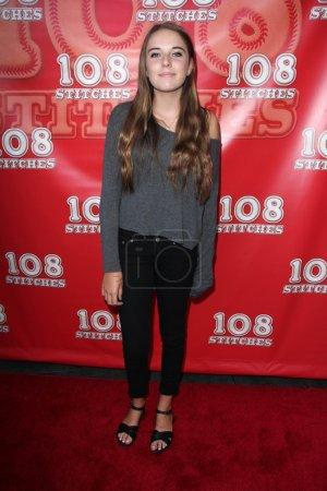 Photo pour Annabelle Negron à la première mondiale 108 Stitches, Harmony Gold, Los Angeles, CA 09-10-14 - image libre de droit