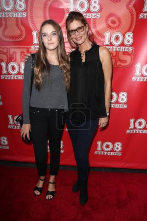 Photo pour Annabelle Negron et sa mère Kate Vernon au 108 Stitches World Premiere, Harmony Gold, Los Angeles, CA 09-10-14 - image libre de droit