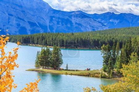 Photo pour Two Jack Lake, Banff, Alberta, Canada - image libre de droit