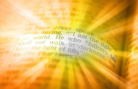 Texte de la Bible - je suis la lumière du monde - John 08:12