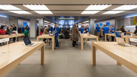 People visiting the Apple Store