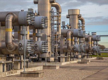 Photo pour Champ de gaz naturel moderne aux Pays-Bas - image libre de droit
