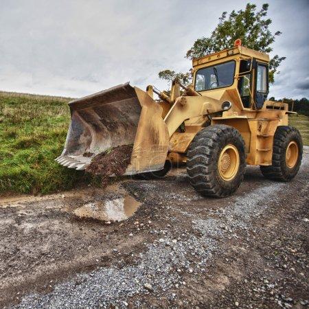 Photo pour Equipement de construction industrielle Bulldozer (grunge ). - image libre de droit