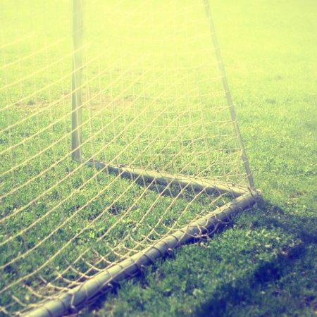 Foto de Detalle red de la meta de fútbol. Efecto de filtro Vintage usada. - Imagen libre de derechos