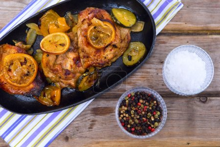 chicken thighs with lemon slices