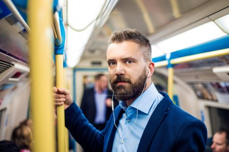 Empresario en metro