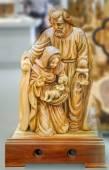 Rodina. Josefa a Panny Marie s dítětem Ježíše Krista v náručí. Soška v Betlémě městě store, Palestina. 4. října 2013