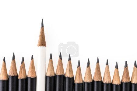Photo pour Crayons noirs et blancs isolés sur fond blanc - image libre de droit