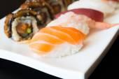 Vynikající japonské sushi rolky