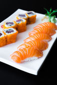 Losos sushi rolky