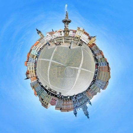 Photo pour Photographie panoramique de la place centrale de ceske budejovice, République tchèque - image libre de droit