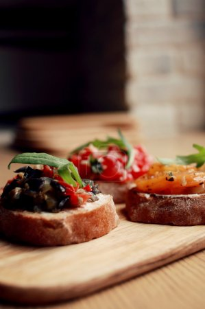 Bruschetta appetizer with vegetables