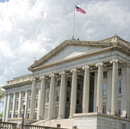 Photo pour Bâtiment du département de trésorerie à Washington DC - image libre de droit