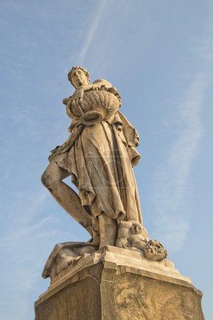 Florence statue near Ponte Vecchio bridge