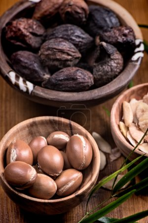 Argan fruits and oil composition