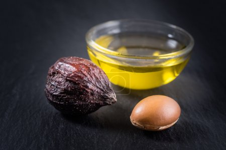 Argan Nuts and seed with oil