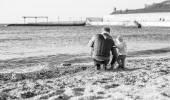 Vater und Kind Sohn am Strand
