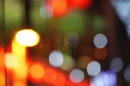 Foto de Resumen bokeh borrosa reflejada en el fondo de cristal - Imagen libre de derechos
