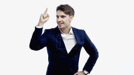 Photo pour Homme d'affaires souriant ayant idée isolé sur blanc - image libre de droit