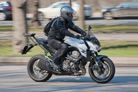 Fastmoving biker