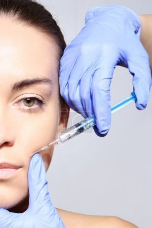 Reduction of wrinkles, injection, nasal labial folds