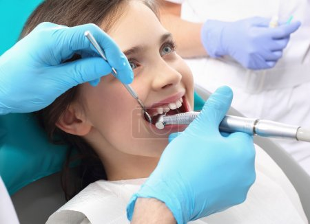 Proper brushing, child dentist