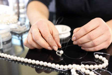 Pearl beads. Creating jewelry with pearls