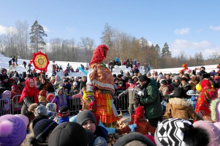 Gatchina, Leningrad region, RUSSIA - March 5, 2011: Maslenitsa - a traditional spring holiday in Russia.
