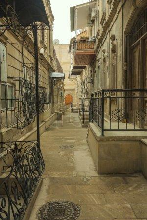 Photo pour Les rues de la ville intérieure de Bakou - image libre de droit