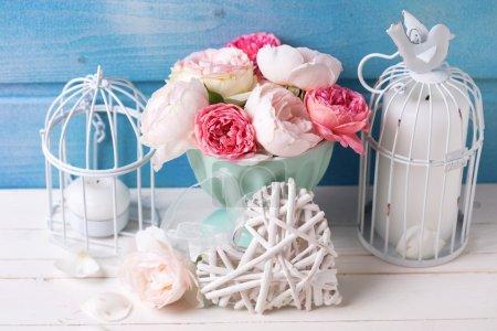 Цветы свечи и декоративное сердце