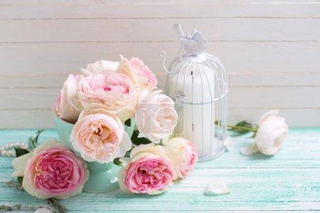 Фон со сладкими розовыми розами