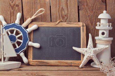 Foto de Fondo de estilo de vida marino con decoraton de madera - Imagen libre de derechos