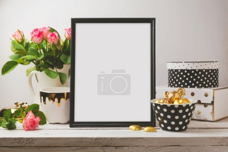 Photo pour Poster mock up with glamour and elegant objects - image libre de droit