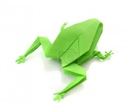 Foto de Origami green frog isolated on white background - Imagen libre de derechos