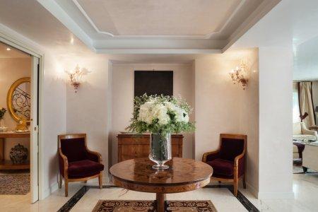 luxury mansion, sitting room